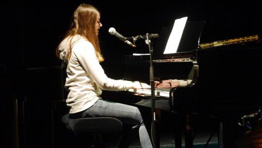 Pianist op de vleugel
